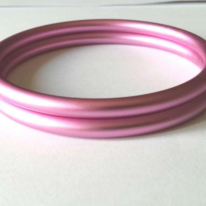 coppia di anelli rosa chiaro opachi m-0