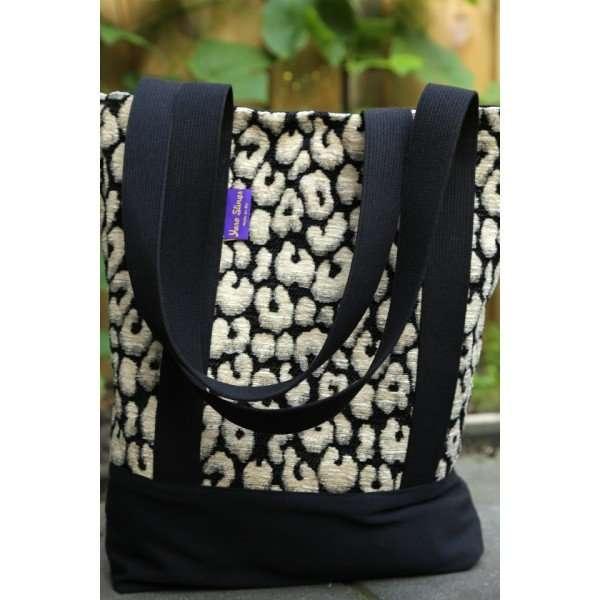 yaro tote bag pussycat black white fluffy-0