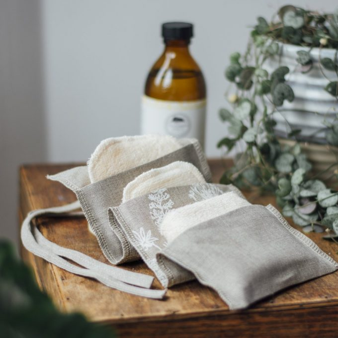 Helen Round Set salviette/dischetti struccanti lavabili con confezione in lino -0